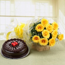 Chocolate Cake (Half Kg) With 15 Yellow Roses