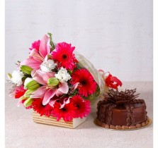 Pretty Mix Flowers With Chocolate Cake