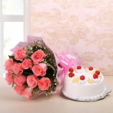 Pineapple Cake With Pink Roses