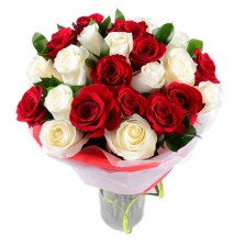 Red N White Roses In A Vase
