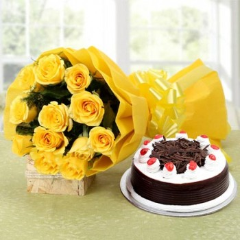 Blackforest Cake (Half Kg) With Yellow Roses